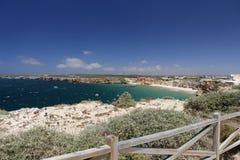 Bella vista del mare con il recinto di legno Fotografia Stock
