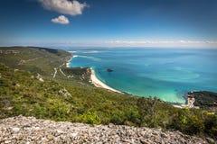 Bella vista del paesaggio del parco nazionale Arrabida in Setuba fotografie stock libere da diritti