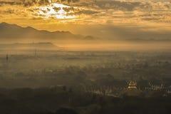 Bella vista del surise di paesaggio in myanmar bagan immagini stock libere da diritti