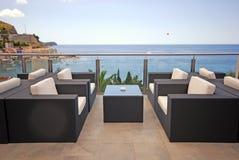 Bella vista del terrazzo di vista sul mare mediterranea Immagine Stock