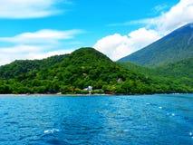 Bella vista dell'oceano & del montain del Giappone Immagini Stock