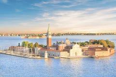 Bella vista della cattedrale di San Giorgio Maggiore, su un'isola nella laguna veneziana, Venezia, Italia fotografia stock