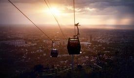 Bella vista della città di Almaty da Koktobe Immagini Stock Libere da Diritti
