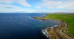 Bella vista della costa di mare 4k video d archivio
