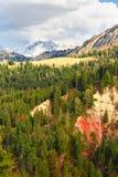 Bella vista della montagna alpina A nord dell'Italia, paesaggio Fotografia Stock