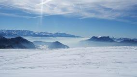 Bella vista della montagna del cielo nei alpes francesi Fotografie Stock Libere da Diritti