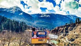 Bella vista della valle di Parvati Immagini Stock