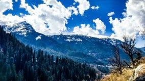 Bella vista della valle di Parvati Fotografia Stock