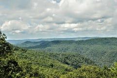 Bella vista della valle della montagna immagine stock libera da diritti