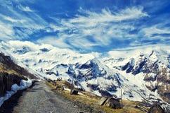 Bella vista delle montagne delle alpi Primavera in parco nazionale Hohe Tauern, Austria Immagini Stock