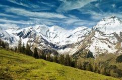 Bella vista delle montagne delle alpi Primavera in parco nazionale Hohe Tauern, Austria Fotografia Stock