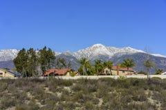 Bella vista di Baldy del supporto da Rancho Cucamonga immagini stock