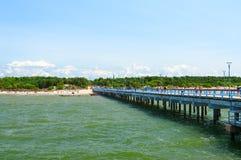 Bella vista di estate dal pilastro alla spiaggia in Palanga, Lituania Fotografie Stock Libere da Diritti