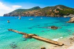 Bella vista di Mallorca Spagna della baia del de marzo del campo immagine stock