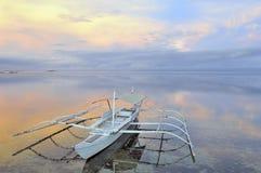 Bella vista di oceano ad alba Immagini Stock Libere da Diritti