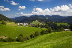 Bella vista di poco villaggio in Slovenia Fotografia Stock
