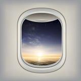 Bella vista nell'oblò dell'aereo Immagini Stock Libere da Diritti
