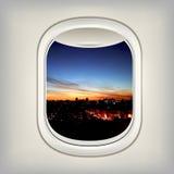 Bella vista nell'oblò dell'aereo Fotografie Stock
