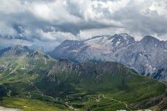 Bella vista panoramica delle alpi italiane delle dolomia Il Tirolo del sud Fotografie Stock Libere da Diritti