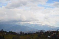 Bella vista panoramica delle montagne di Carpathians Fotografia Stock Libera da Diritti