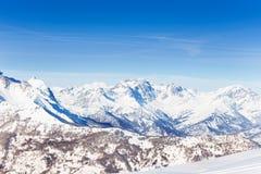 Bella vista panoramica delle montagne snowcapped Immagine Stock Libera da Diritti