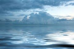 Bella vista sul mare al tramonto Fotografia Stock