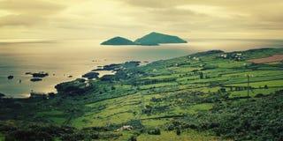 Bella vista sul mare in contea Kerry - effetto d'annata fotografia stock libera da diritti