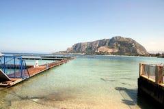 Bella vista sul mare di Mediterrean. Mondello Fotografia Stock