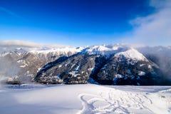 Bella vista sulle alpi dalla cima Fotografie Stock