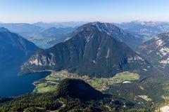 Bella visualizzazione delle alpi dalla montagna di Dachstein, 5 dita che osservano piattaforma, Austria Immagini Stock