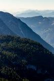Bella visualizzazione delle alpi dalla montagna di Dachstein, 5 dita che osservano piattaforma, Austria Immagini Stock Libere da Diritti