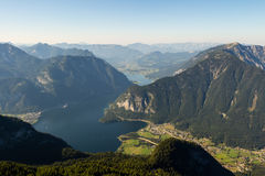 Bella visualizzazione delle alpi dalla montagna di Dachstein, 5 dita che osservano piattaforma, Austria Fotografie Stock Libere da Diritti