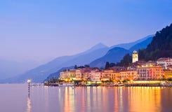 Bellagio en el lago Como en Italia fotos de archivo