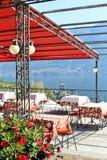 Bellagio, Italy 26 de setembro de 2016 O terraço de um restaurante com uma vista no lago Como Fotografia de Stock