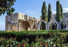bellapais的修道院,一个小村庄在北塞浦路斯 库存照片