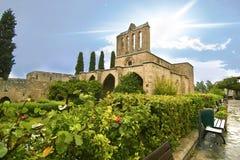 Bellapais abbotskloster i nordliga upptagna Cypern Royaltyfri Bild