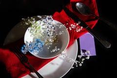 Belle épingle à cheveux de plat barrette avec des perles bijoux pour des cheveux bandeau à la mode avec des pierres Mode de fille photo libre de droits