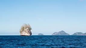 Belle île de petite pierre en EL Nido, Palawan Images stock
