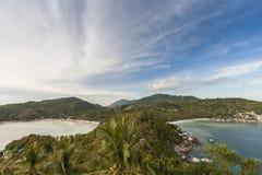 Belle île tropicale avec le pavillon gentil KOH TAO Island photos stock