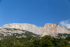 Belle alte montagne in Crimea ad estate Immagine Stock