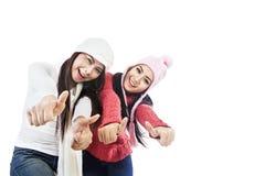 Belle amitié en hiver d'isolement dans le blanc Photo stock