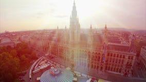 Belle antenne de bâtiment de conseil municipal de Rathaus de Vienne, maison d'administration locale clips vidéos