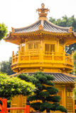 Belle architecture d'or de style chinois de pagoda en Nan Lian G Image stock