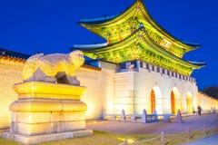 Belle architecture dans le palais de Gyeongbokgung à la ville Kor de Séoul image libre de droits