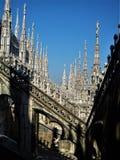 Belle architecture sur le toit de la cathédrale de Milan image stock