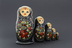 Belle bambole nere di matryoshka Immagine Stock