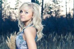 Belle blonde Photos libres de droits
