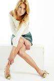 Belle blonde dans le blanc Photo libre de droits