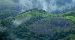 Belle brume de montagne Image libre de droits
