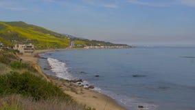 Belle Côte Pacifique chez Malibu la Californie banque de vidéos